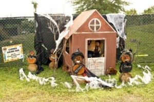 2017 Scarecrows In The Park - Lakes Park Enrichment Foundation - Fort Myers, FL
